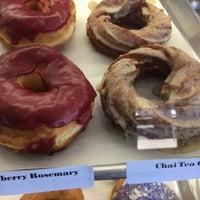 10/23/2017にPeggy G.がNomad Donutsで撮った写真