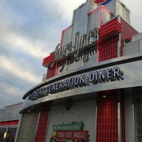 Photo taken at Silver Diner by Publio M. on 1/6/2013