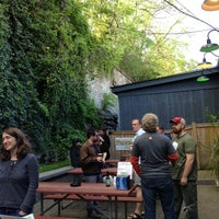 Photo taken at M.L.Rose Craft Beer & Burgers by Noe on 4/20/2013