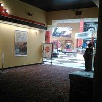 9/15/2012にJenn R.がAMC Loews Monmouth Mall 15で撮った写真