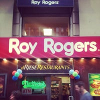 Photo taken at Roy Rogers / Nathan's by Frankie C. on 5/31/2013