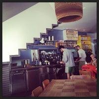 Foto tomada en Federal Café por Iván R. el 6/9/2013