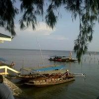 Photo taken at Don Hoi Lot by Piyaphat N. on 10/23/2012
