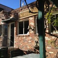 Foto diambil di Brick & Bell Cafe - La Jolla oleh Gordon pada 1/19/2013