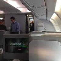 Photo taken at AZ686 FCO-CCS / Alitalia by Leo on 1/3/2014
