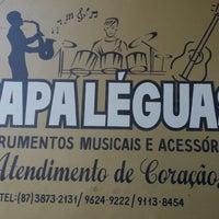 Photo taken at Papa-Léguas Instrumentos Musicais by Kennedy A. on 9/18/2012