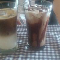 Photo taken at The Masterplan Coffee Shop by Josimar P. on 10/3/2012