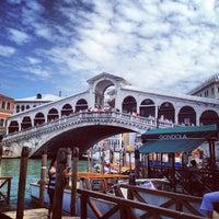 Foto scattata a Ponte di Rialto da Aleksei S. il 5/8/2013