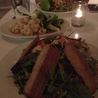 Photo prise au Peacefood Café par Michael Della Polla le6/17/2014