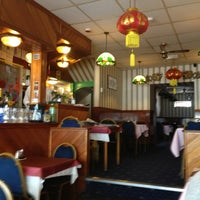Photo taken at Manderine Chinese Restaurant by Carolyn-patricia on 7/3/2013