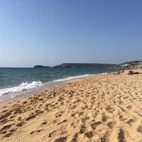 Photo taken at Spiaggia di Pistis by Edo L. on 8/9/2018