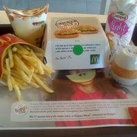 Foto tomada en McDonald's por Rui P. el 4/15/2013