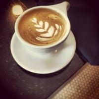 5/26/2013에 Jim W.님이 Lantern Coffee Bar and Lounge에서 찍은 사진