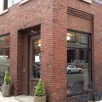 4/29/2013에 Jim W.님이 Lantern Coffee Bar and Lounge에서 찍은 사진