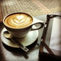 6/15/2013에 Jim W.님이 Lantern Coffee Bar and Lounge에서 찍은 사진