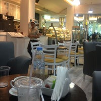 Photo taken at Cafe Macchiato by Ahmed S. on 12/17/2013