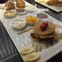 Photo taken at Armani Café | کافه آرمانی by Ali T. on 3/26/2017
