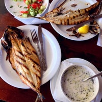 Foto scattata a Капаните (The small seafood restaurants by the beach) da PL C. il 8/31/2018