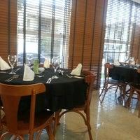 Foto tirada no(a) Restaurante Del Mondo por Ana N. em 3/23/2013