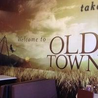 Photo taken at OldTown White Coffee by Geemok C. on 11/16/2012