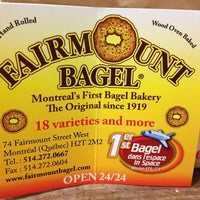 Foto tirada no(a) Fairmount Bagel por Bonnie em 6/29/2013