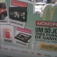 รูปภาพถ่ายที่ McDonald's โดย Rose T. เมื่อ 4/26/2013