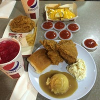 Photo taken at KFC by Emaspline on 1/31/2017