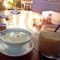 Photo taken at Black Canyon Coffee by Juli C. on 4/21/2014