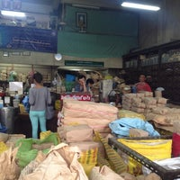 Photo taken at เจ้ากรมเป๋อ ร้านขายยาแผนโบราณ by NRCMHM on 6/26/2014