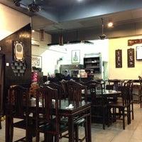 Photo taken at Restoran Dong Yi Shun by Riz A. on 4/25/2013