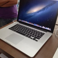 Photo taken at Switch (Apple Premium Reseller) by Chooz Samsul A. on 10/26/2012