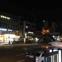 Photo taken at 시외버스터미널.교보생명(ID:09-138) by _ze9 on 10/9/2013