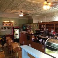 Foto tirada no(a) Bridgeport Coffee Company por Suli C. em 5/11/2013
