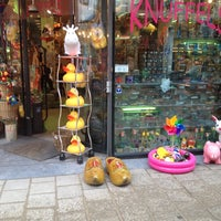 Photo taken at Knuffels - Pluche - Wooden Shoes by Remko S. on 10/13/2012