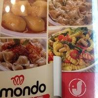 Foto tomada en Mondo Spaghetti por Alan F. el 10/19/2012