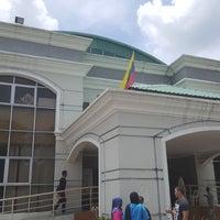 Photo taken at Pusat Komuniti Sri Petaling by Ahmad Rashidi Z. on 4/16/2017