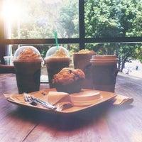 Foto tomada en Starbucks por Katiuska P. el 7/31/2014