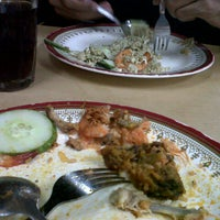 Photo taken at Kedai Makan Zabedah Hitam by Qauyum I. on 9/18/2012