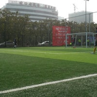 Photo taken at Soccer World 蛇口足球场 by Muhammed Fatih Y. on 12/28/2013