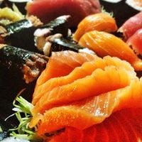 Photo taken at Sakanã Sushi & Hand Rolls by Tharik U. on 8/27/2013