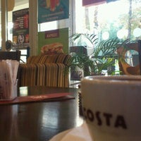Photo taken at Costa Coffee by Ninoka K. on 10/19/2012