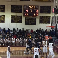 Photo taken at Mount Vernon High School by ☕️ Corrine ☕️ on 12/1/2017