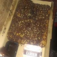 9/27/2012にLauren J.がPizza Hutで撮った写真