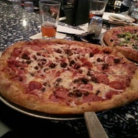 Photo taken at Mellow Mushroom by Boding Z. on 3/23/2013