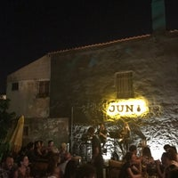 Photo prise au Jun Bistro Pub par Emporyo le6/28/2017