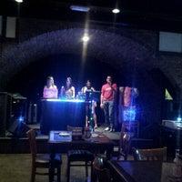 Foto tomada en Queen Victoria Pub por Belen A. el 10/25/2013