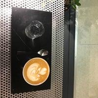 Foto tomada en Voyager Espresso por Harlan E. el 10/17/2017