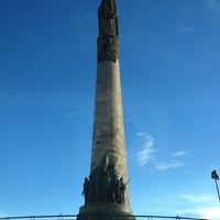 Foto tomada en Glorieta Monumento a Los Niños Héroes por Vanessa G. el 1/11/2013