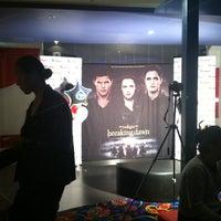 Photo taken at Beverly Hills Cinemas by Kris T. on 11/14/2012