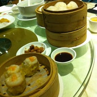 Photo taken at Grand Imperial Restaurant by Yeehoongsue M. on 4/14/2013